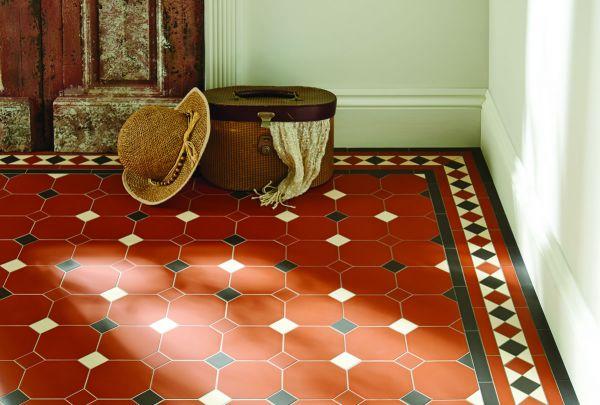 harrogate-pattern-and-modified-kingsley-border-in-red-black-white6D2B848E-FFE3-B091-8C5C-075D311E2D7B.jpg