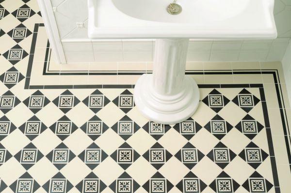 montague-black-decor-tile-on-dover-white-dover-white-cavendish-border-and-cornersBF2B935F-F114-DDD3-CD5E-FC3126A1FF1E.jpg